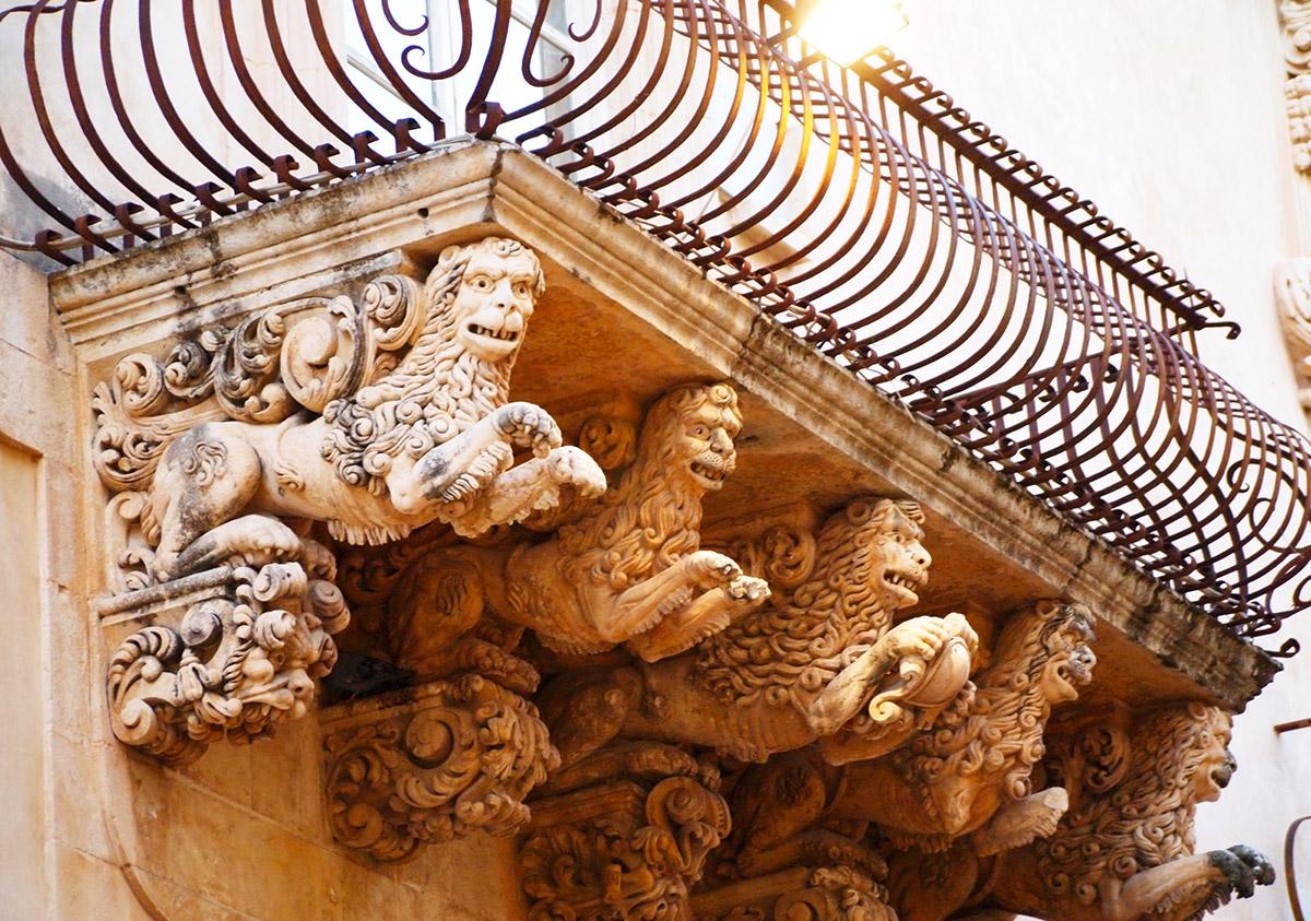 Barocco, particolare Palazzo Nicolaci - Noto (SR)